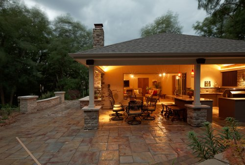 Custom pool houses cabanas and outdoor rooms for Pool design hours